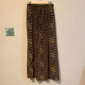 Dresses & Skirts - Maxi cheetah skirt